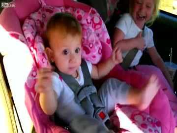 Reakcja dziecka na Gangnam style