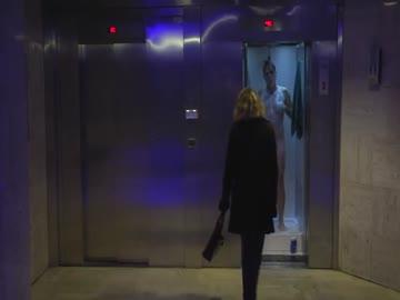 Naked Elevator (Rémi Gaillard)