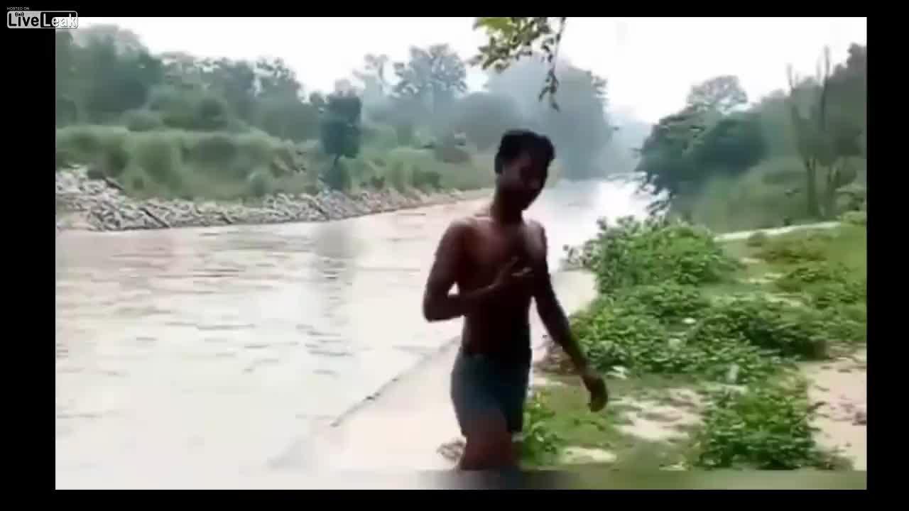 Pijany Mężczyzna Umiera Bo Wskoczył Do Wody