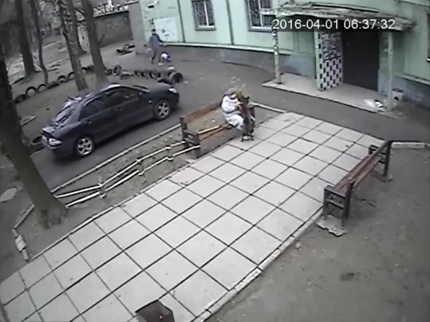 Mężczyzna ratuje życie swojemu psu