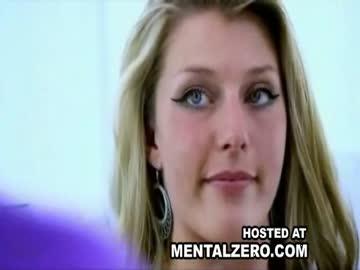 Kobieta z dwoma pochwami  Szokujące wideo