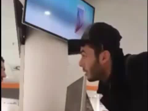 Imigrant chce kupić iPhona 6 za 1 euro