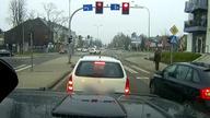 Efektowny wjazd na ręcznym przez policję ;D