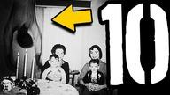 W dzisiejszym odcinku zaprezentuję wam 10 zdjęć, których nie da się wytłumaczyć. Niektóre są przerażające, inne po prostu tajemnicze... Napiszcie w komentarzach czy macie jakieś własne teorie na ich temat.    ODWIEDŹ SKLEP TOPOWEJ DYCHY - http://topowadycha.cupsell.pl   ⓾ ⓽ ⓼… Odliczanie czas zacząć! Dyszka faktów, ciekawostek lub po prostu informacji, które raz cię rozbawią, a kiedy indziej wzruszą do łez. Od teorii konspiracyjnych, przez nietypowe wydarzenia, aż do najdziwniejszych wynalazków.  ☠  KONIECZNIE ZOBACZ MÓJ KANAŁ O TEORIACH SPISKOWYCH - https://www.youtube.com/topoweteoriespiskowe  ☠ Współpraca: marta.wolosik@mediakraft.tv  Ⓢ Subskrybuj kanał: https://www.youtube.com/user/topowadycha ⓕ Polajkuj facebooka: http://www.facebook.com/TopowaDychaPL Ⓘ Sprawdź mój Instagram: https://instagram.com/topowadycha/  ☠  Program jest oficjalną polską wersją językową serii Alltime10s.  -- https://www.facebook.com/Mediakrafttv https://instagram.com/mediakraft.tv https://twitter.com/mediakraftpl https://www.youtube.com/user/Mediakraftpolska  Film wyprodukowany przez: Mediakraft PL Sp. z o.o. ul. Nowy Świat 60/8, 00-357 Warszawa Managing Directors: Levent Gültan, Ryan Socash Mediakraft PL Sp. z o.o. is a subsidiary of Mediakraft Networks GmbH